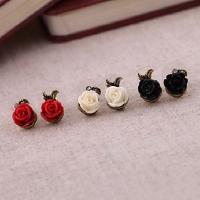 Европейские и американские старинные розы асимметричные серьги серьги (случайный цвет) #00744429